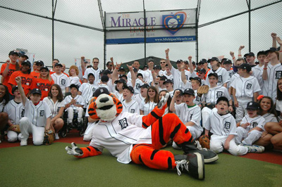 the miracle league in a group photo
