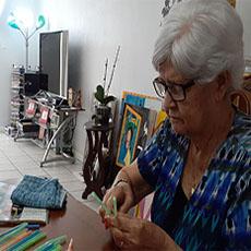 senior doing art